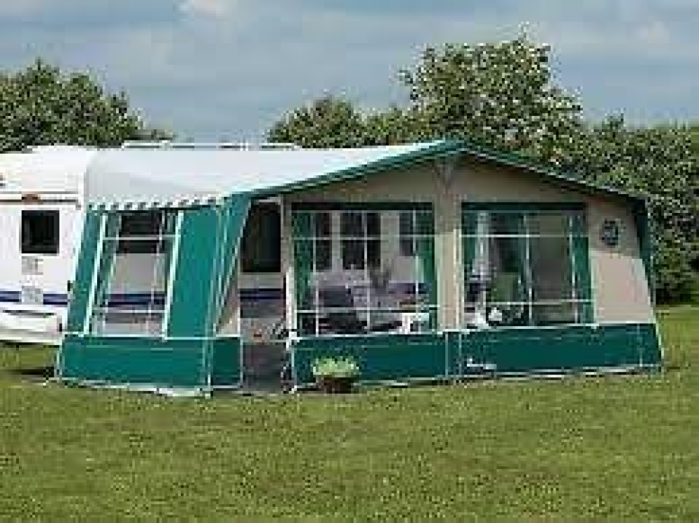 Isabella Capri Lux 975 Cm Carbon X Preloved Caravan Awnings